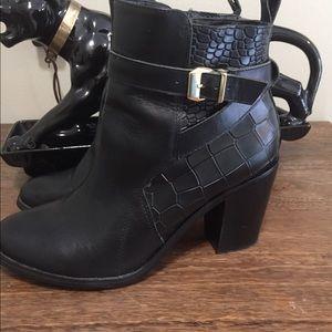 Shoemint block heel booties